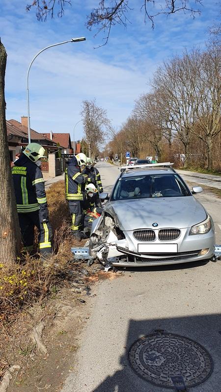 Einsatzfoto Fahrzeugbergung nach Verkehrsunfall