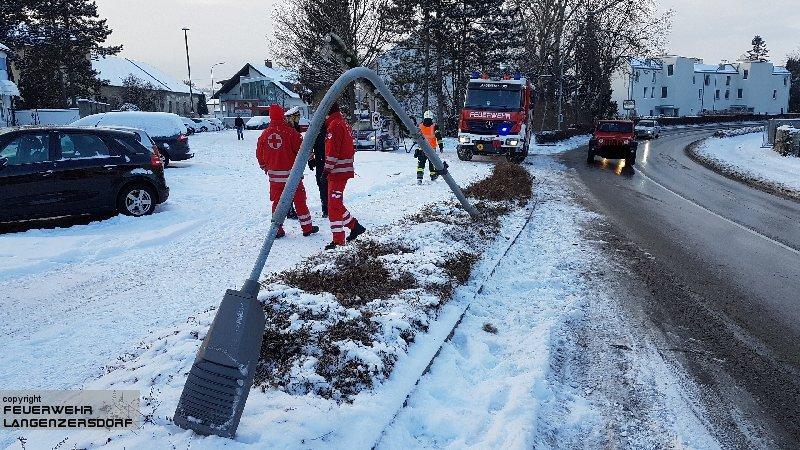 Einsatzfoto Fahrzeugbergung Bundesstraße