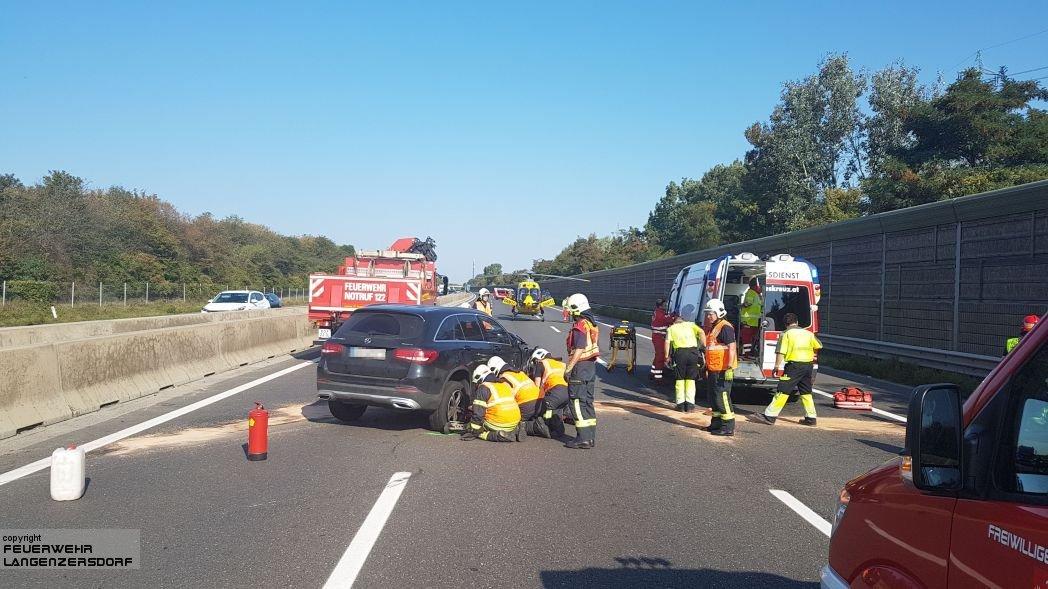 Einsatzfoto Verkehrsunfall A22 mit Menschenrettung