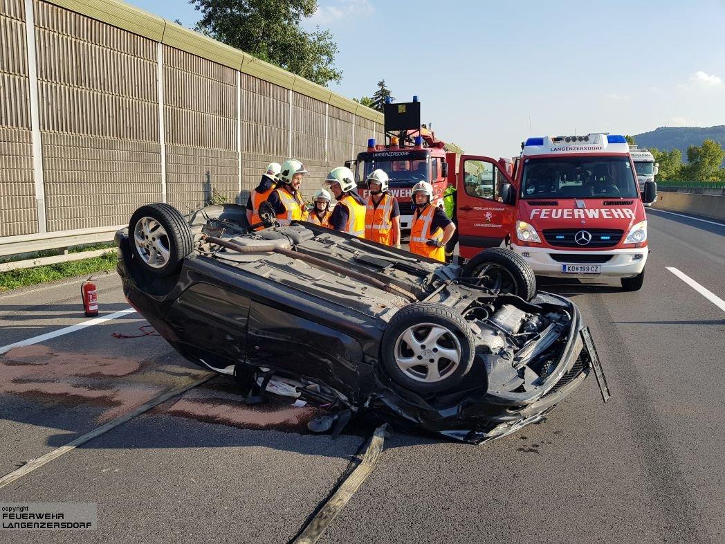 Einsatzfoto neuerlicher Verkehrsunfall A22