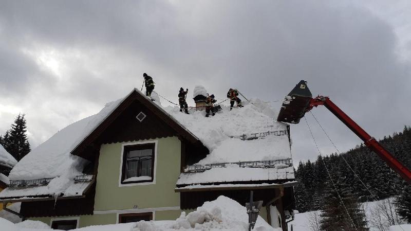 Einsatzfoto KHD-Einsatz Schneeräumen in Annaberg
