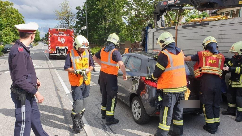 Einsatzfoto Verkehrsunfall im Ortsgebiet