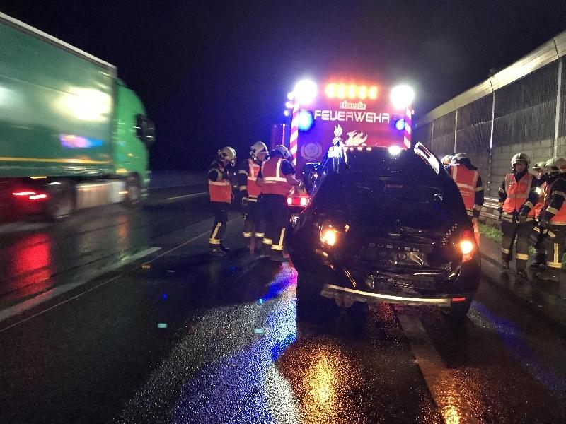 Einsatzfoto Nächtlicher Verkehrsunfall auf der Donauuferautobahn