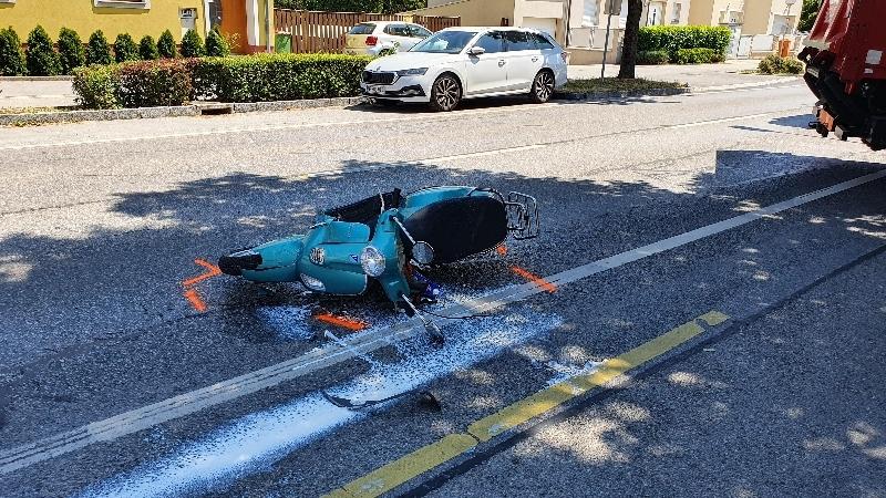 Einsatzfoto Verkehrsunfall mit einem Moped
