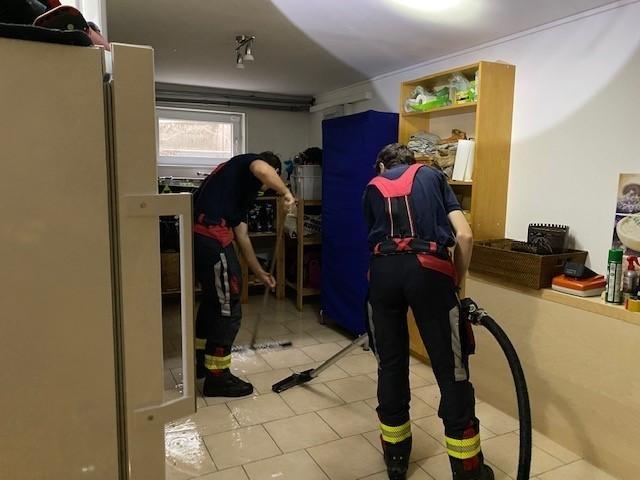 Einsatzfoto Wassergebrechen in Einfamilienhaus